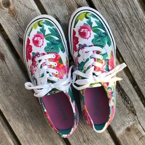 Shoes - Women's 6.5 floral Airwalk tennis shoes